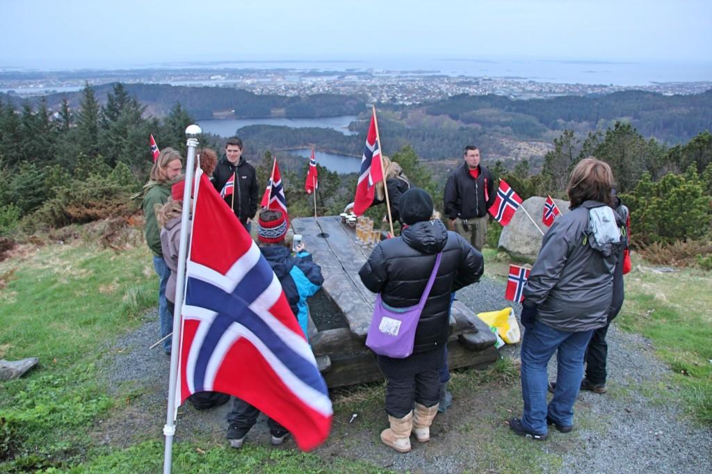 17. mai på Steinsfjellet